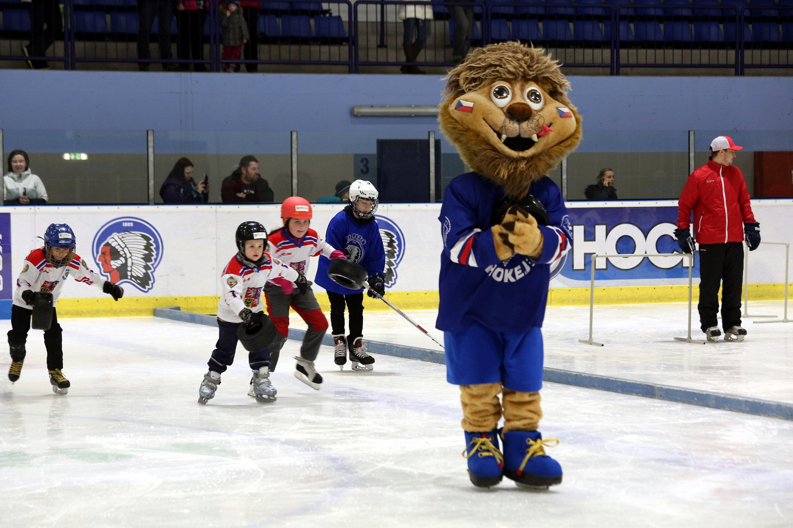 3612c455a ... Pojď hrát hokej koná popáté po celé České republice a celkově už  pošesté. Díky dosavadním ročníkům získalo první zkušenost s ledním hokejem  téměř 20 000 ...